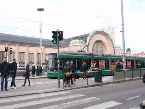 ヘルシンキ中央駅とトラム