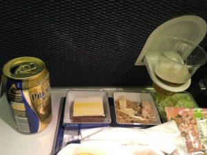 成都成田機内食ビール