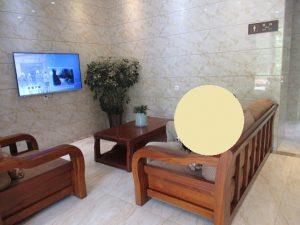 熊猫谷トイレのソファ