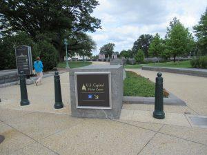 アメリカ国会議事堂ビジターセンター看板